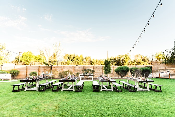 Outdoor wedding reception | Casually Modern Wedding Inspiration | Mindy DeLuca Photography