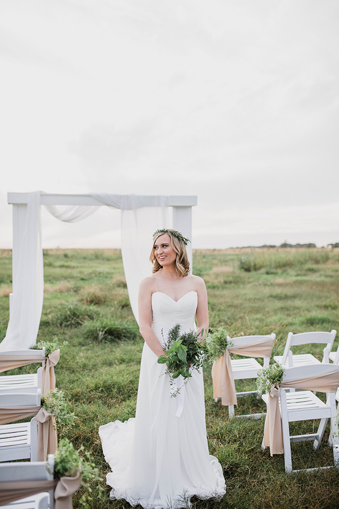Countryside wedding ceremony | Countryside Sunset Wedding in Texas | Rebecca Chesney Photo