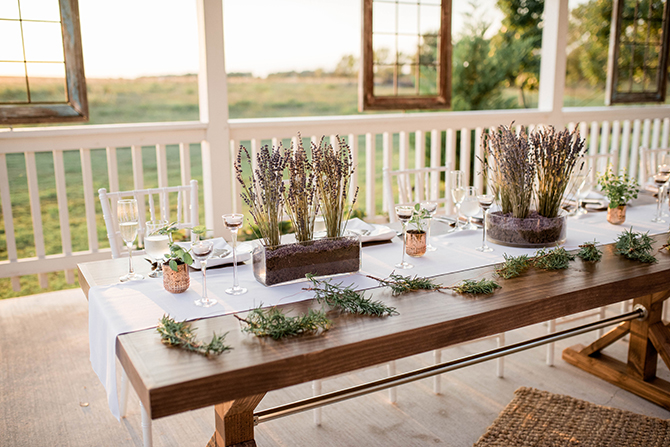 Wedding table setup | Countryside Sunset Wedding in Texas | Rebecca Chesney Photo