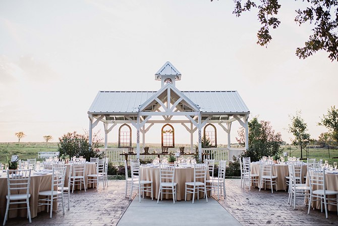 Sunset wedding reception | Countryside Sunset Wedding in Texas | Rebecca Chesney Photo