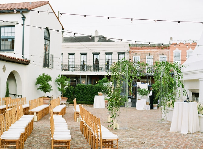 Outdoor seating for wedding ceremony | Sophisticated New Orleans Nuptials | Arte De Vie