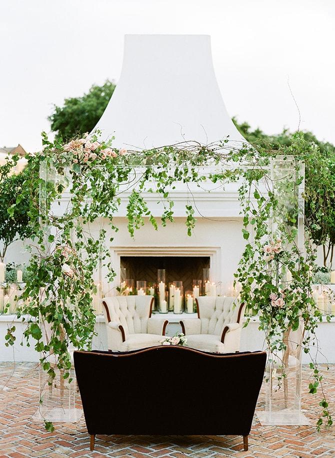 Outdoor reception seating | Sophisticated New Orleans Nuptials | Arte De Vie