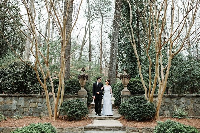Couple walking through a garden | Glamorous Spring Wedding Portraits at The Swan House | Aline Marin Photography