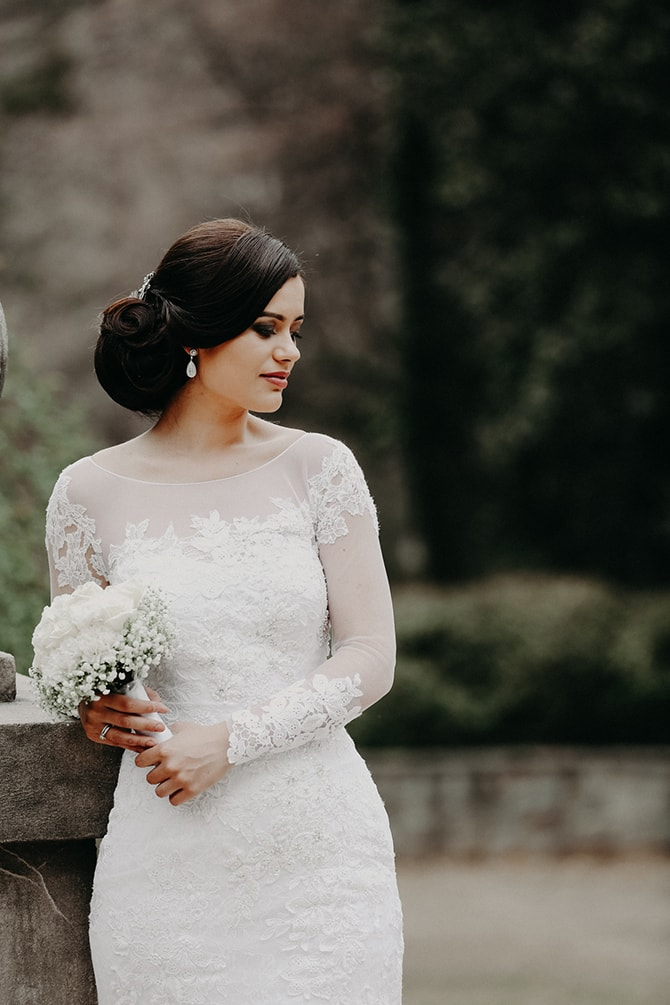 Bride in white | Glamorous Spring Wedding Portraits at The Swan House | Aline Marin Photography