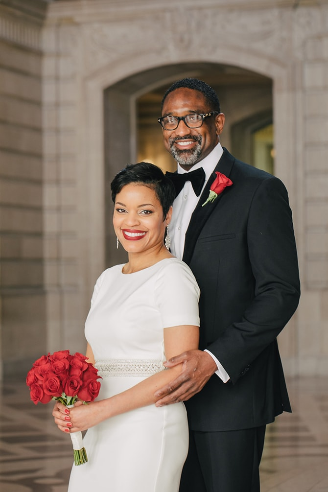 Couple outside City Hall | Intimate Ceremony at San Francisco City Hall | IQphoto Studio