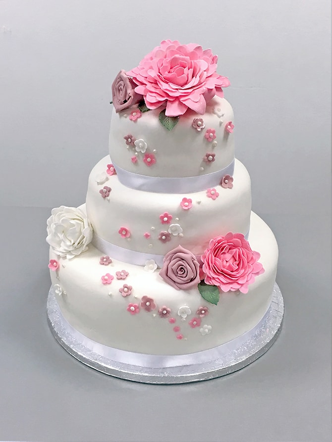 White Wedding 3-tire wedding cake with pink flowers