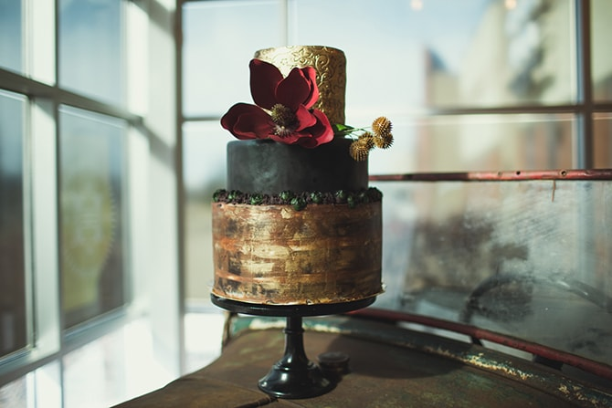 Black and gold wedding cake | Distilled Love | Kirsten Stanley Productions