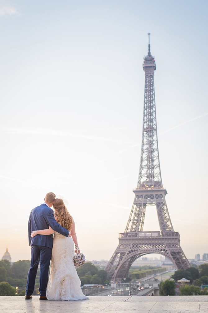 Eiffel Tower couple | Travel Themed Intimate Wedding in Paris - Paris Photographer Pierre