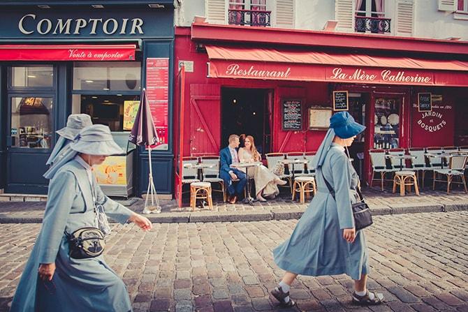 Wedding couple in café | Travel Themed Intimate Wedding in Paris - Paris Photographer Pierre