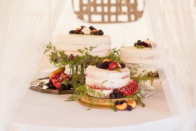 Rustic wedding cakes | DIY Backyard Wedding in South Carolina | Jessica Hunt Photography