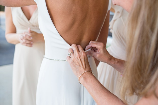 Bride getting ready | DIY Backyard Wedding in South Carolina | Jessica Hunt Photography