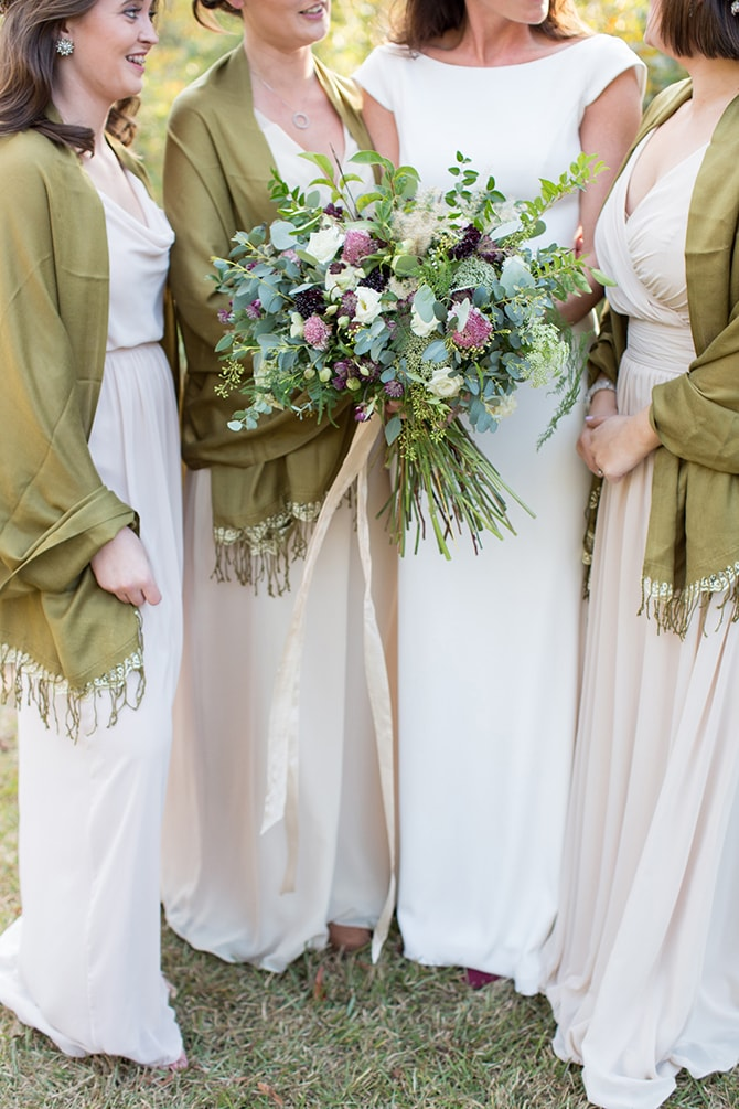 Green bridesmaid accessories | DIY Backyard Wedding in South Carolina | Jessica Hunt Photography
