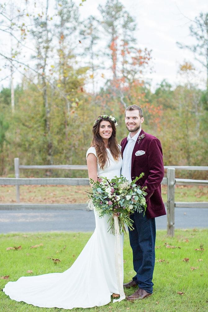 Countryside wedding couple | DIY Backyard Wedding in South Carolina | Jessica Hunt Photography