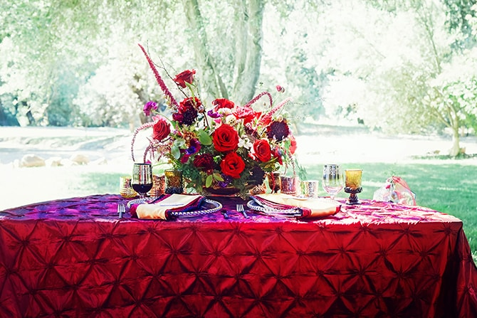 Red wedding table | Dark Romance at Milagro Winery | Lacey O Photography