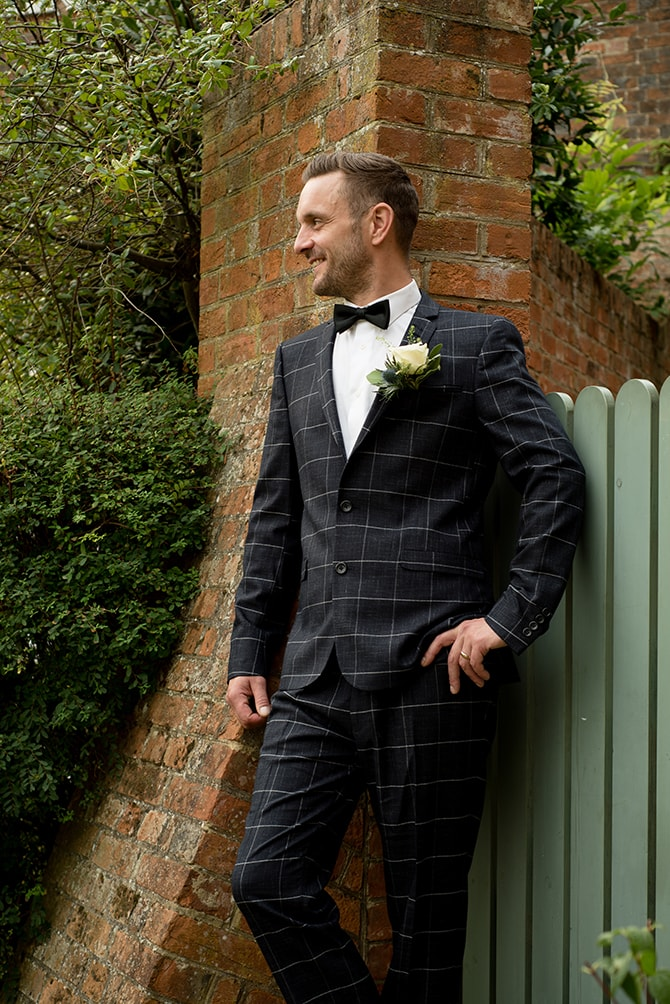 Groom in grey suit | Beautiful Countryside Wedding Inspiration in Buckinghamshire | KLP Photography