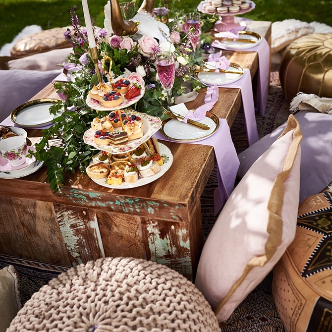 Meal outside | Luxury Country Garden Boho | Sephory Photography