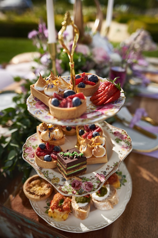 Afternoon tea in the garden | Luxury Country Garden Boho | Sephory Photography