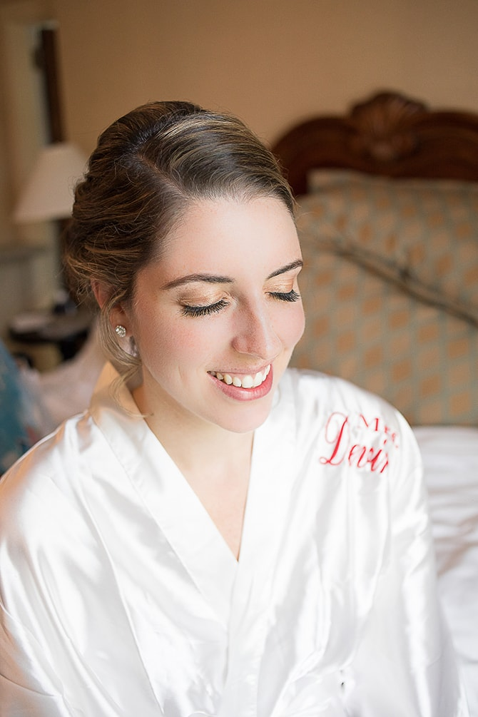Bride getting ready for wedding | Modern Elegance in Exeter - Emily Teresa Photography
