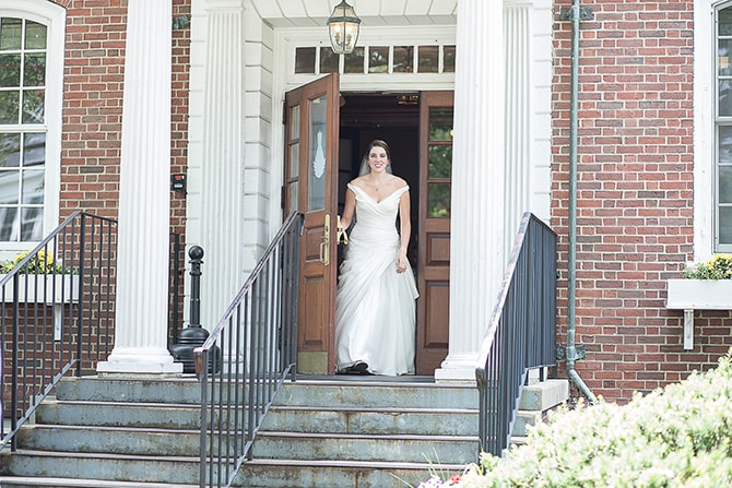 Bride walking to ceremony | Modern Elegance in Exeter - Emily Teresa Photography
