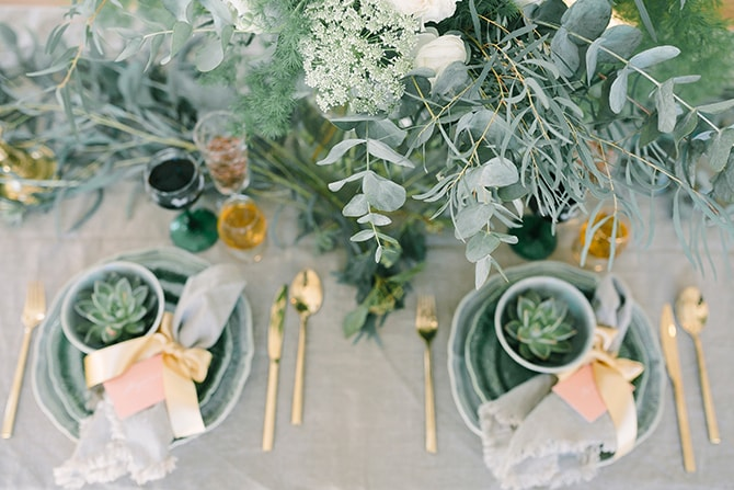 Wedding reception with eucalyptus | Modern Winter Wedding Style | Linda-Pauline Photography