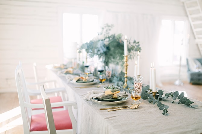 Neutral wedding reception decor | Modern Winter Wedding Style | Linda-Pauline Photography