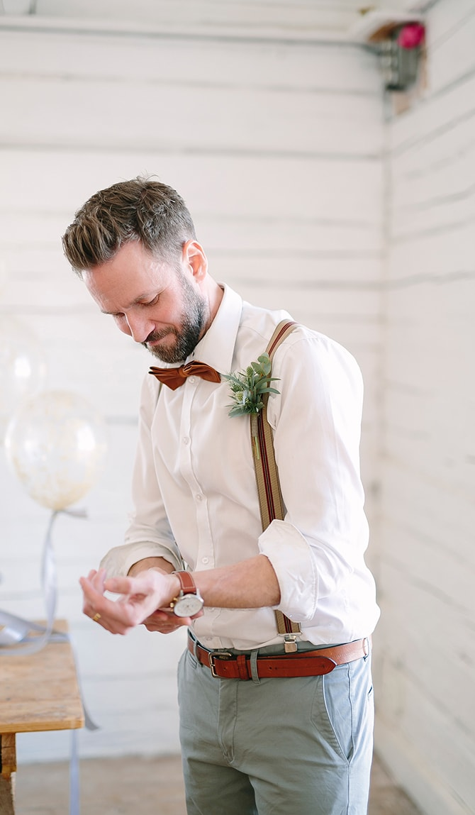 Modern stylish groom | Modern Winter Wedding Style | Linda-Pauline Photography