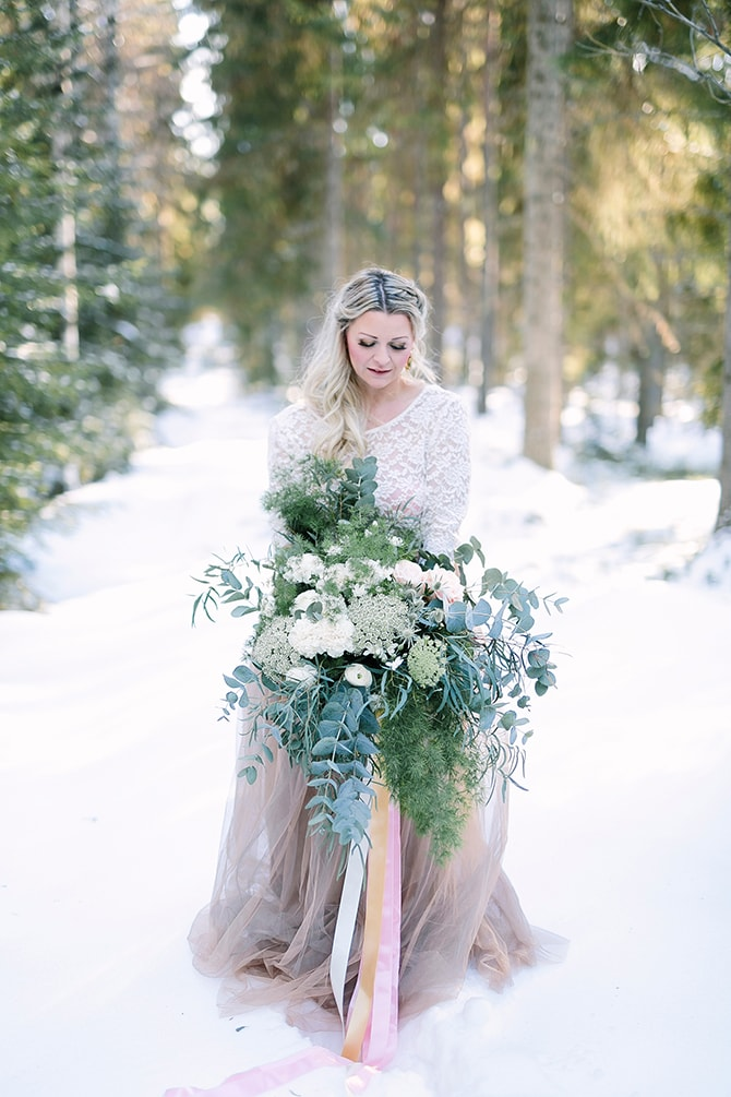 Winter bridal bouquet | Modern Winter Wedding Style | Linda-Pauline Photography