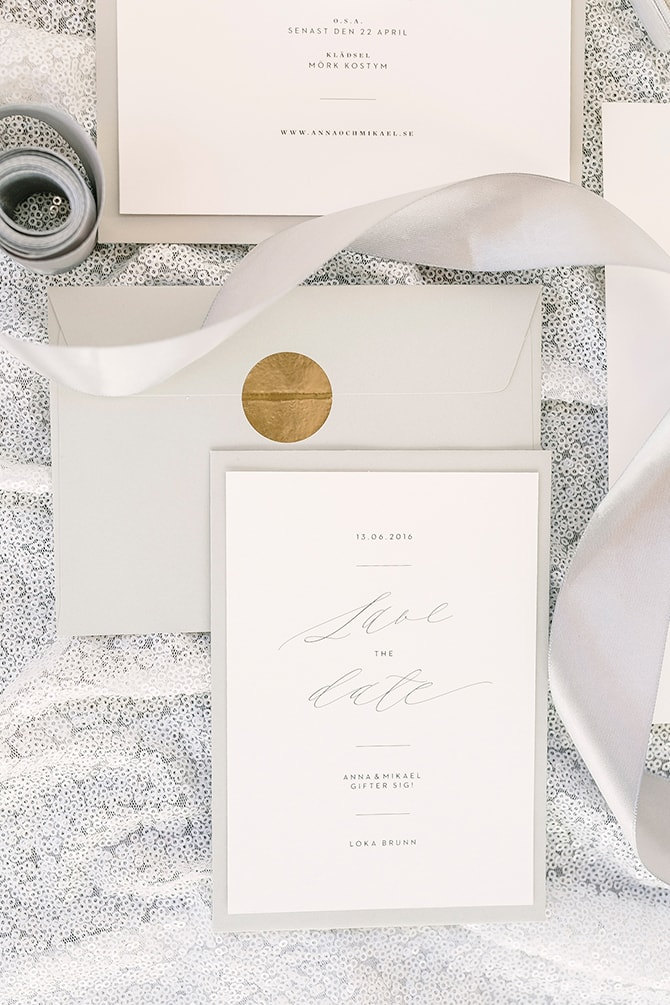 Grey and white wedding stationery | Modern Winter Wedding Style | Linda-Pauline Photography