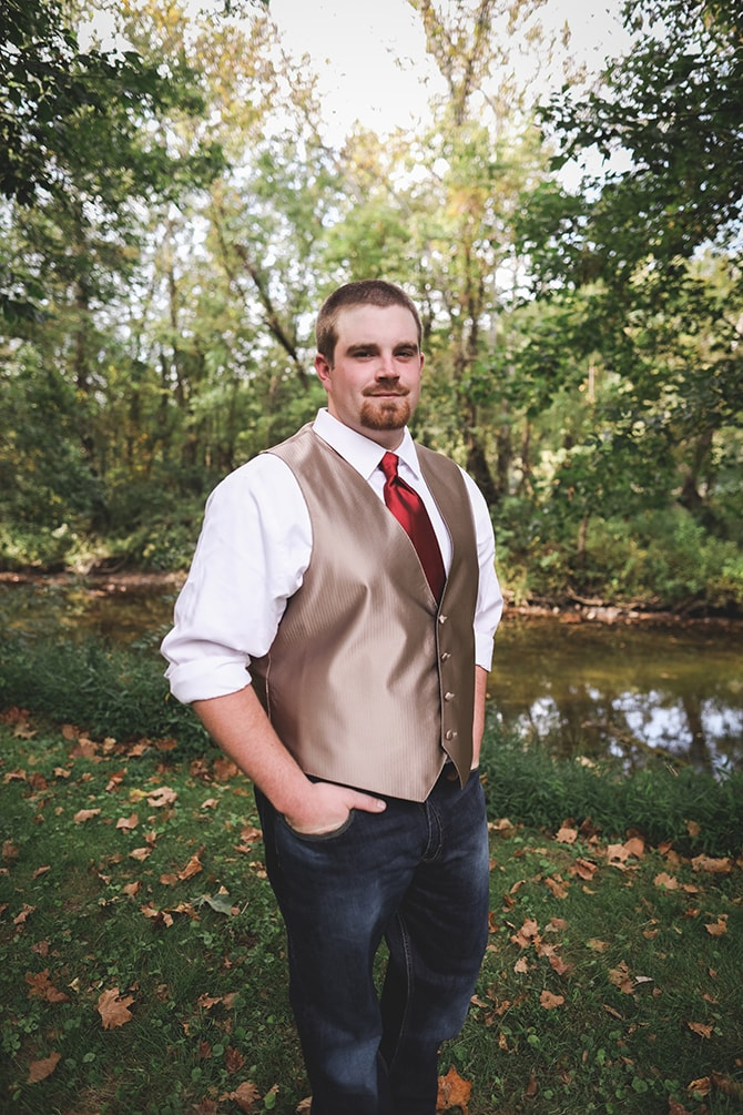 Stylish rustic groom | Rustic Dreaming in Pembroke | Jasmine White Photography