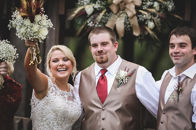 Wedding couple | Rustic Dreaming in Pembroke | Jasmine White Photography