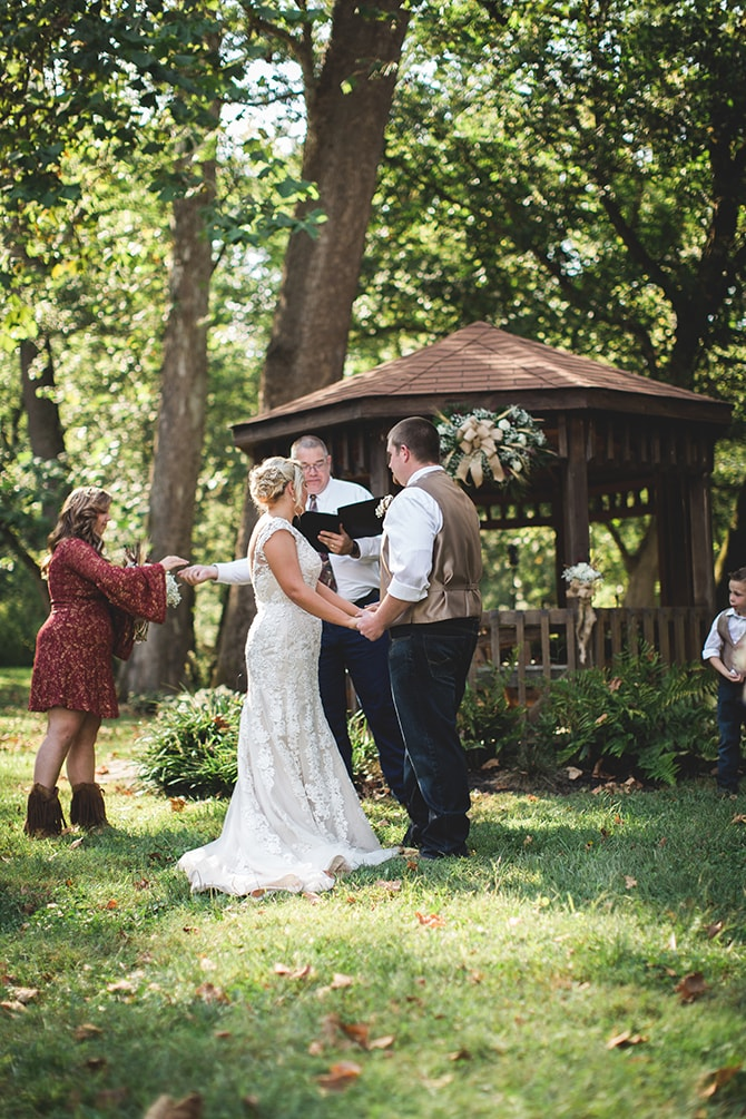 Wedding ceremony couple | Rustic Dreaming in Pembroke | Jasmine White Photography