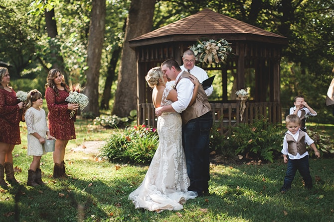 Couple kissing | Rustic Dreaming in Pembroke | Jasmine White Photography