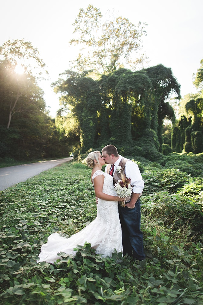 Couple in countryside | Rustic Dreaming in Pembroke | Jasmine White Photography