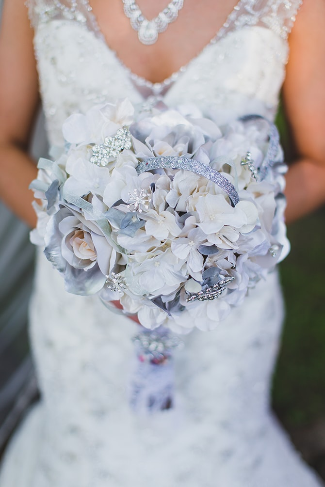 Bridal bouquet | Stylish Traditional Wedding in Kansas | Wisdom-Watson Weddings