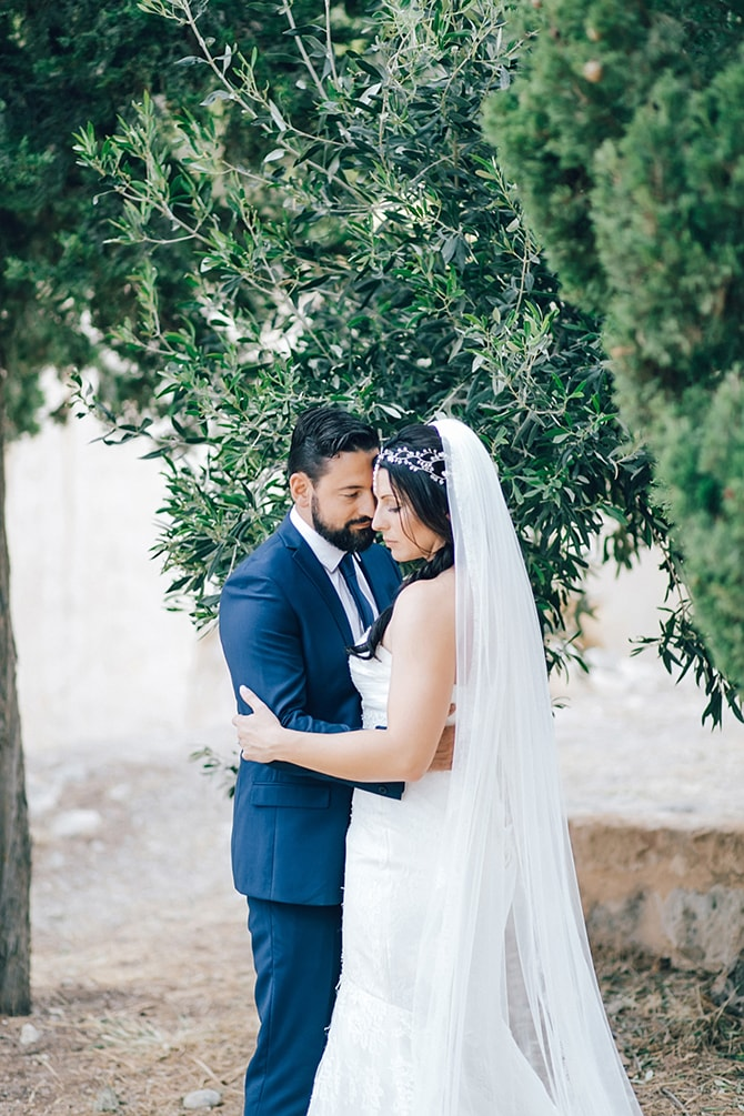 Natural Alfresco Wedding in Crete HannaMonika Photography