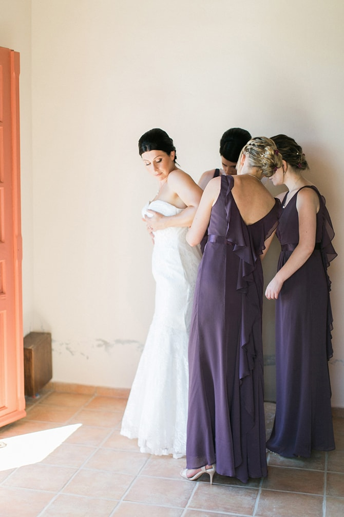 Bride getting ready | Natural Alfresco Wedding in Crete HannaMonika Photography