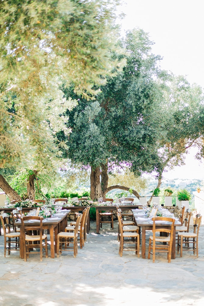 Rustic wedding style | Natural Alfresco Wedding in Crete HannaMonika Photography