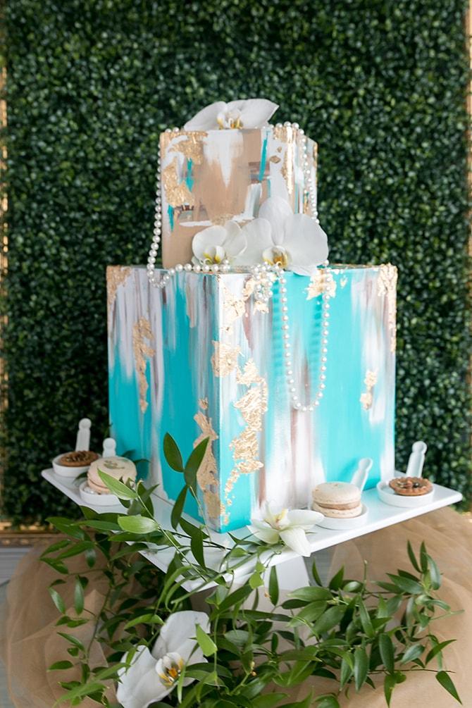 Modern avant-garde cake | The Avant-garde Bride | Motion D Photography