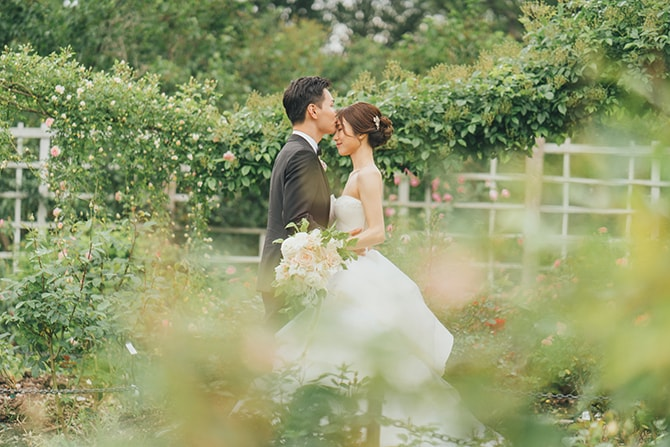Bride and Groom in botanic garden