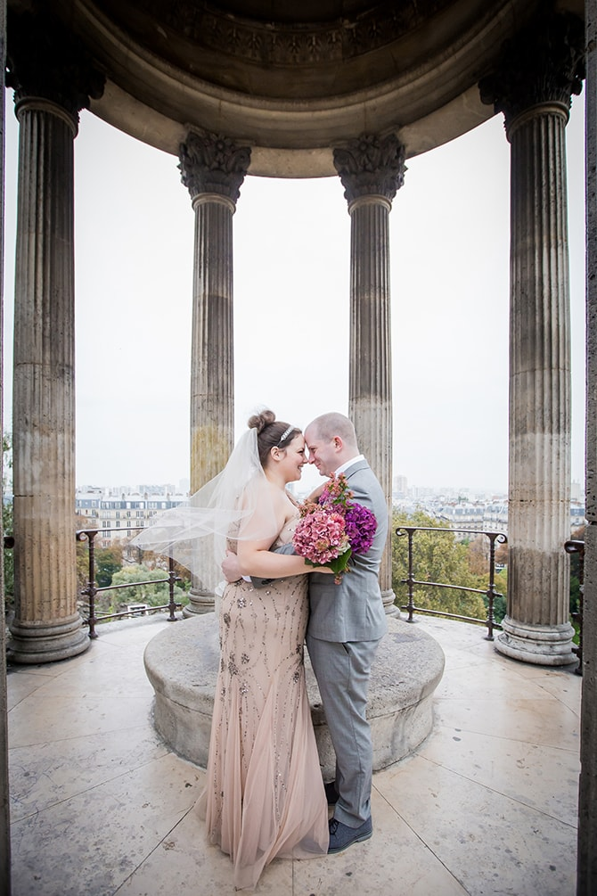 Bride and Groom elopement in Paris