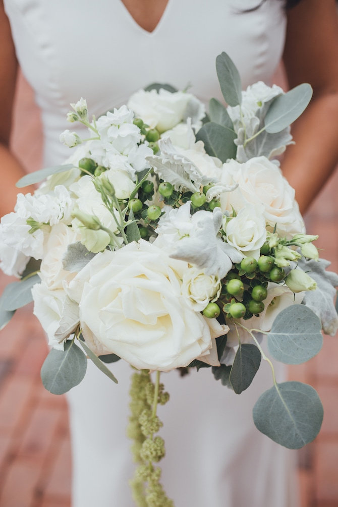 Neutral bridal bouquet | Fabulous Floral Wedding at The Park Savoy Estate