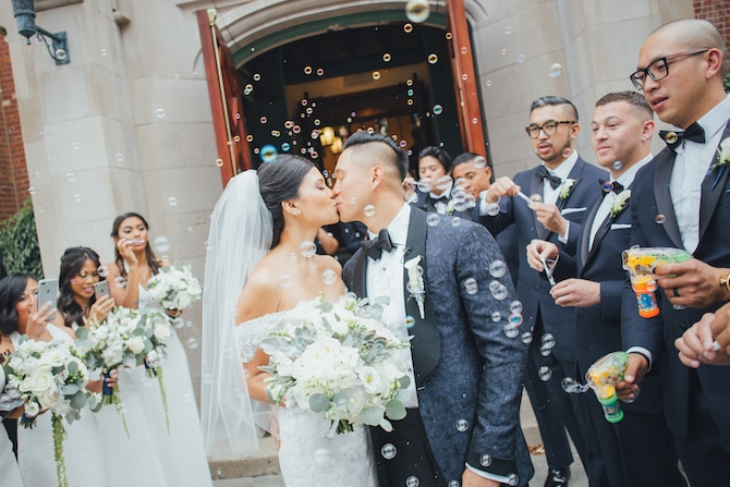 Wedding bubbles | Fabulous Floral Wedding at The Park Savoy Estate