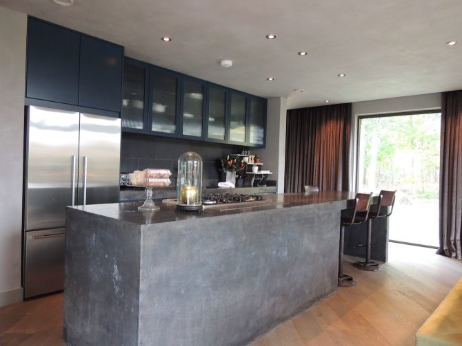 Black Concrete Kitchen at Lakes by Yoo The Barnhouse