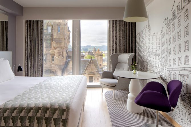 Royal Mile Edinburgh - Luxury Hotels for a Romantic Break