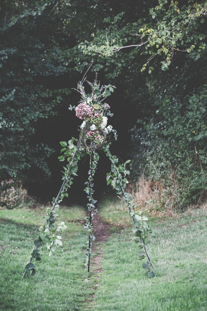 Autumnal flower stand
